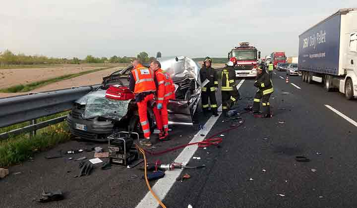 Autostrada A4: quattro incidenti in due ore, un morto